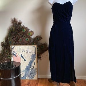 SUNG SPORT Vintage midnight blue velvet dress